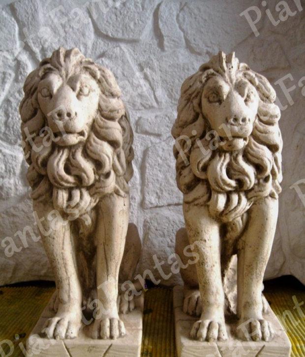 coppia-leoni-in-cemento-no-pietra.jpg
