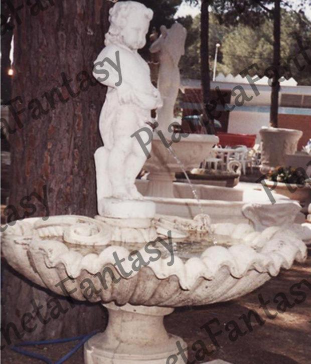 fontana-art-0323b-conchiglia-a-muro-in-cemento-no-pietra-arredo-giardini-e-ville