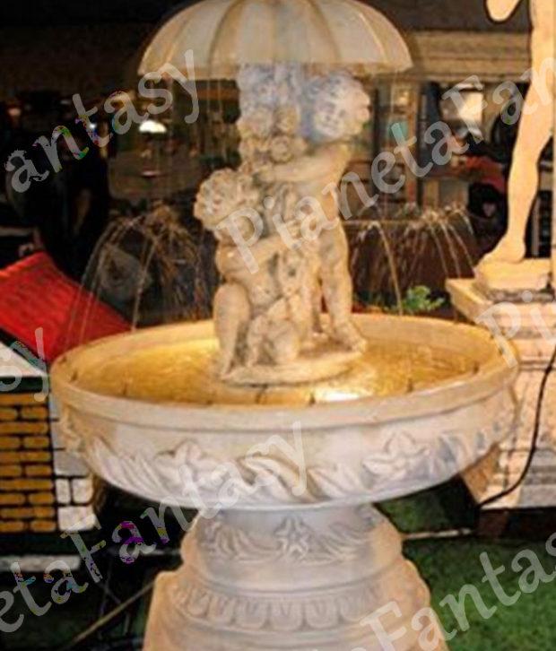 Fontana art 0354 putti con ombrello in cemento no pietra for Arredo ville e giardini